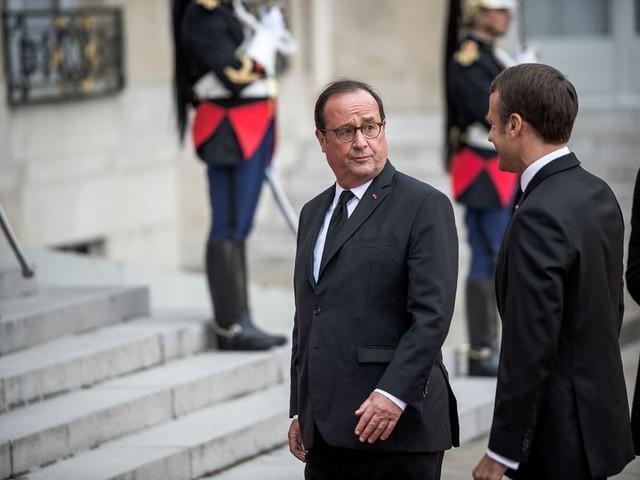 """Hollande égratigne Macron et son """"culte du chef"""""""