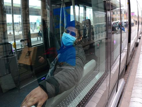 Coronavirus en France: vers un prolongement du confinement? l'instauration d'un couvre feu?
