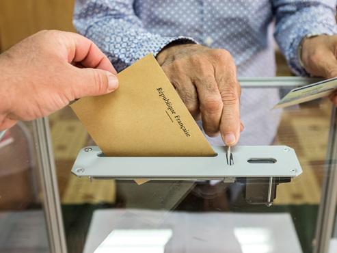 La rocambolesque campagne électorale française est terminée: les premières urnes ouvrent ce midi