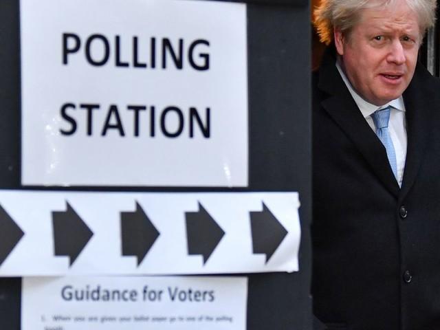 Boris Johnson vers une majorité absolue au Parlement britannique