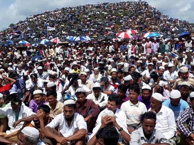 Au Bangladesh, 200 000 Rohingyas manifestent pour commémorer leurs deux ans d'exil