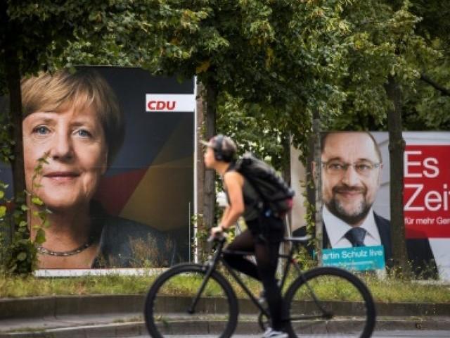 Allemagne: social-démocrate Schulz sous pression pour s'allier avec Merkel