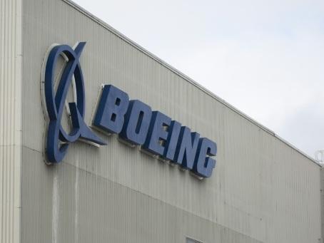 737 MAX: le patron de Boeing ne convainc pas sur la sécurité au Congrès américain