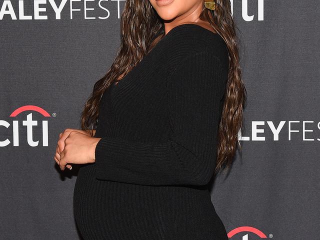 Shay Mitchell : la vidéo émouvante de son accouchement sur YouTube