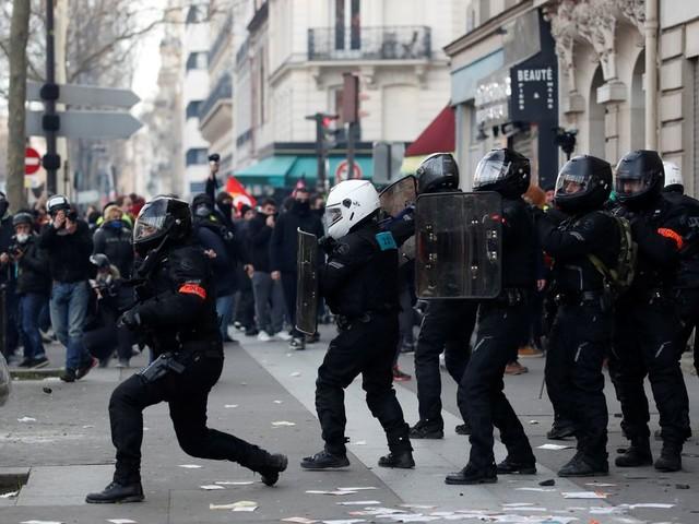 Une nouvelle plainte déposée après un tir de LBD lors de la manifestation du 9 janvier
