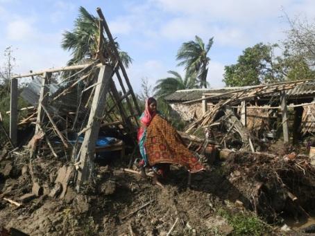 Le cyclone Bulbul a frappé le Bangladesh et l'Inde, faisant six morts