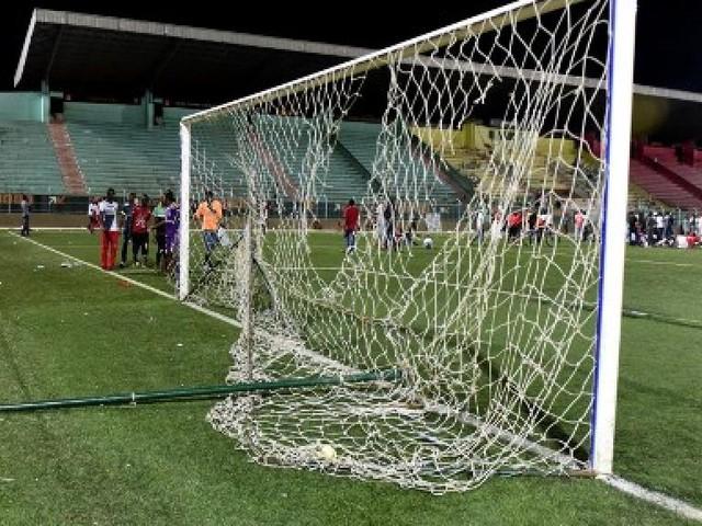 Drame du stade Demba-Diop au Sénégal: dix membres d'un club de foot écroués