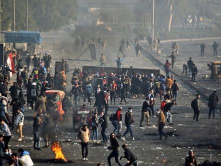 Irak: les manifestants relancent la contestation dans l'attente d'une réponse du gouvernement