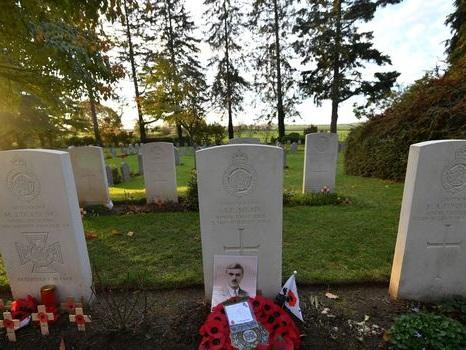 Centenaire 14-18: Un petit cimetière belge au centre des hommages britanniques et canadiens