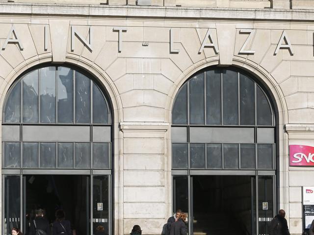 La gare Saint-Lazare touchée par une panne d'électricité, la circulation des trains interrompue