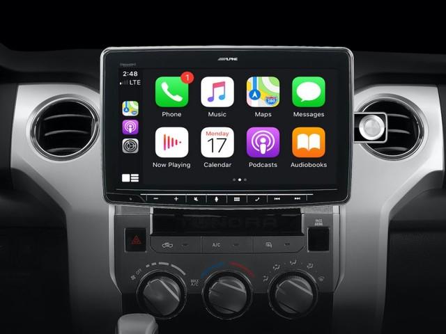 Alpine et Pioneer dévoilent des grands écrans pour CarPlay d'Apple