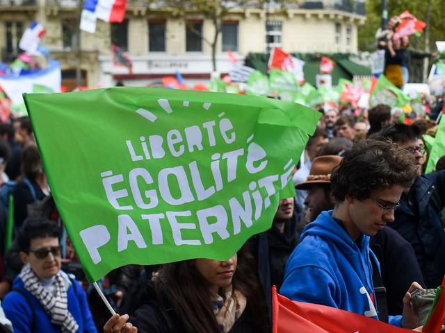 France: la PMA fait redescendre ses opposants dans la rue avant son examen au Sénat