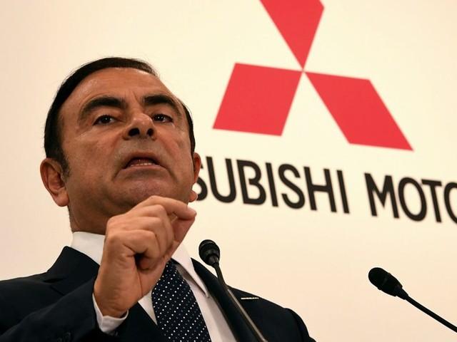 Affaire Ghosn: Nissan contre-attaque aux Pays-Bas