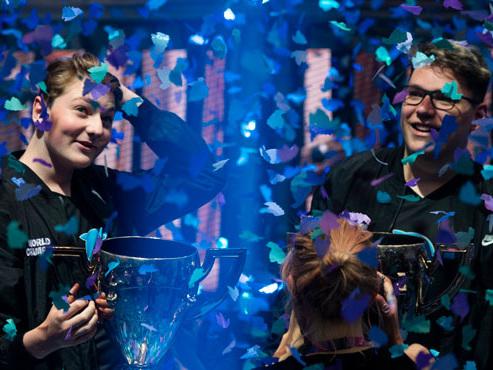 16 ans, gamers et millionnaires : ces deux ados viennent de gagner la première Coupe du monde de Fortnite (vidéo)