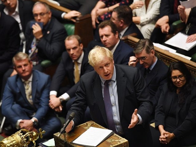 Le parlement britannique rejette l'examen accéléré de l'accord du Brexit