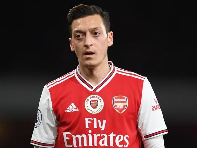 Özil retiré d'un jeu vidéo en Chine après des propos polémiques