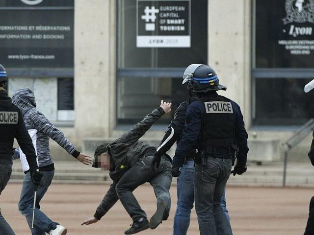 Lyon : 69 policiers blessés depuis le début du mouvement des Gilets jaunes