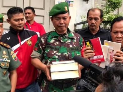 """La """"peur des rouges"""" relancée en Indonésie avant les élections"""