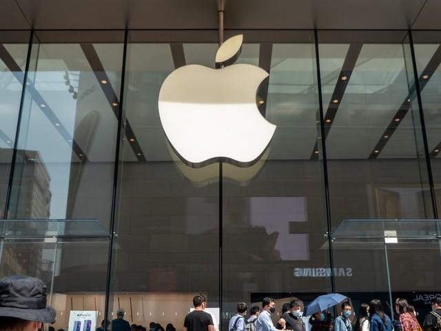 """Accusé """"d'abus de position dominante"""", Apple s'en prend à Spotify"""