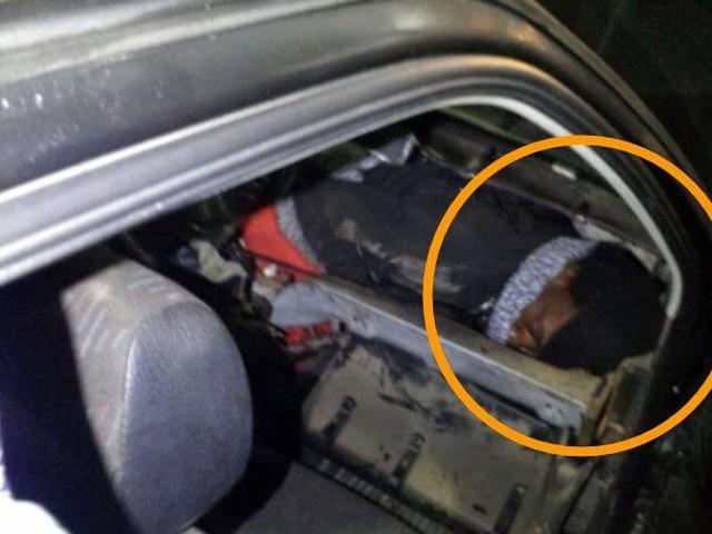 Un MRE arrêté avec son beau-frère caché dans la voiture