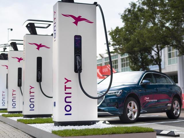 Voiture électrique : sur autoroute, le plein d'électricité va couter plus cher que le plein d'essence !