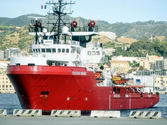 Le navire «Ocean Viking» cherche un port sûr en méditerranée pour débarquer 176 migrants
