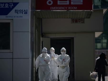 Virus: l'état de deux malades sud-coréens s'améliore après un traitement au plasma