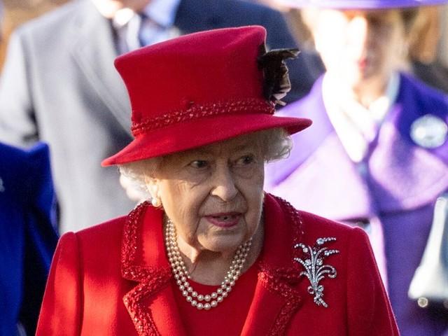 """La reine Elizabeth II veut une """"solution"""" rapide pour régler le cas Harry-Meghan"""