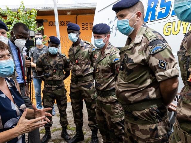 """Guyane: des renforts supplémentaires mobilisés face à la """"progression"""" du Covid-19"""