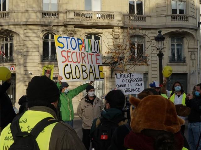 """Loi de """"sécurité globale"""" : la marche prévue samedi à Paris est interdite par la préfecture"""
