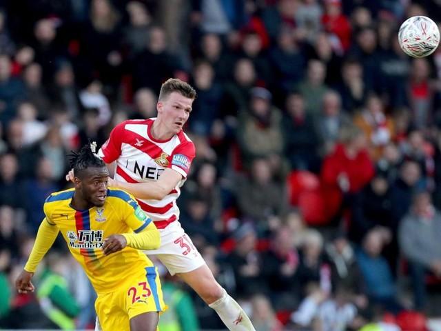 FA Cup: Batshuayi, Benteke et Crystal Palace qualifiés pour les quarts (vidéos)