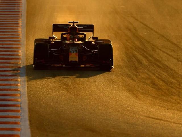 "F1 : Red Bull juge ""illégal"" le DAS de Mercedes"