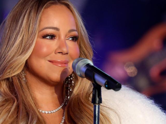 Comme Cléopâtre, Mariah Carey se baigne dans du lait pour entretenir sa peau