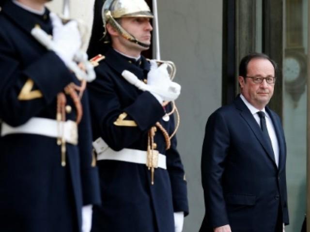 Hollande tente de déjouer un duel entre Le Pen et Mélenchon