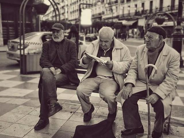 """""""Algérie vue d'en bas"""" le projet photographique """"شعبي """" de Ahmed Ait Issad"""