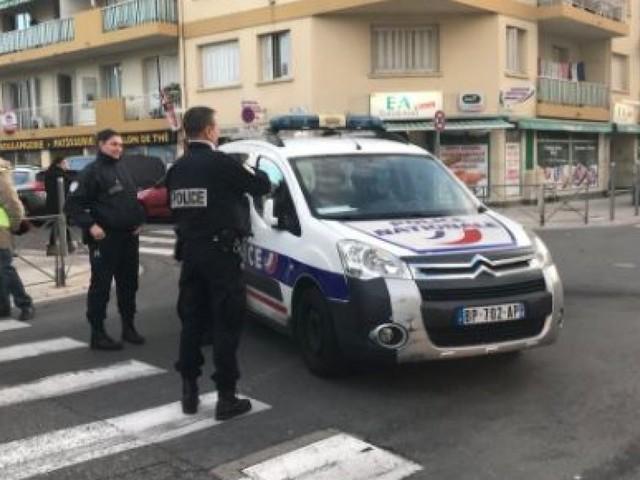 """""""C'était intentionnel"""": une voiture fonce sur des surveillants de prison à Nice"""