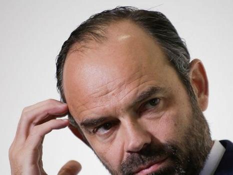 Édouard Philippe tente de calmer la grogne des départements