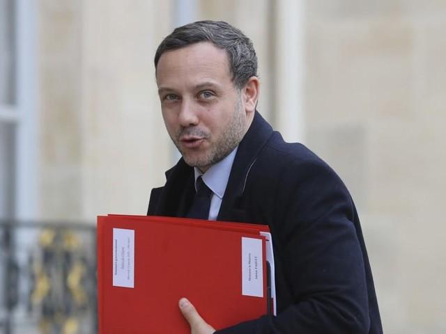Adrien Taquet annonce la création d'une commission sur les violences sexuelles faites aux enfants