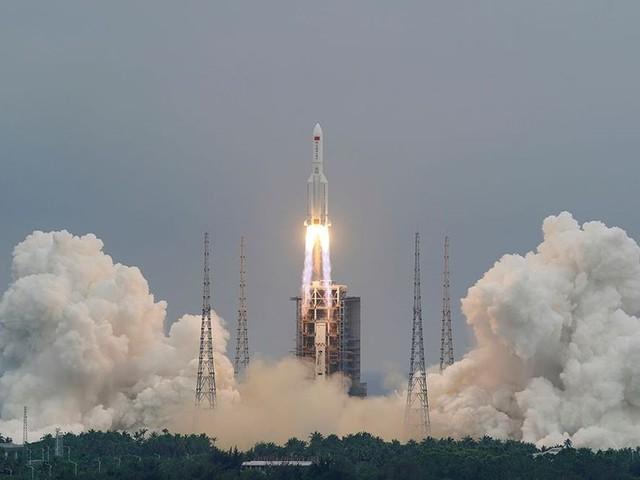 Fusée chinoise hors de contrôle: Pékin rassure, les Etats-Unis critiquent