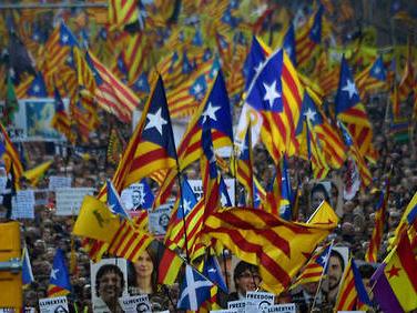 200000manifestants à Barcelone contre le procès des indépendantistes
