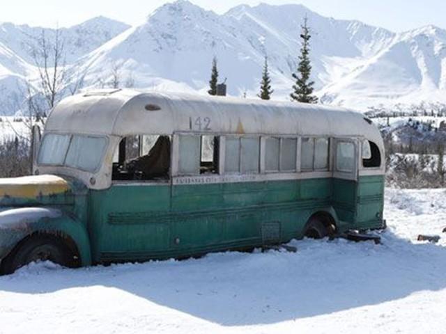 """Alaska : une touriste meurt en tentant de rejoindre le bus du film """"Into the Wild"""""""