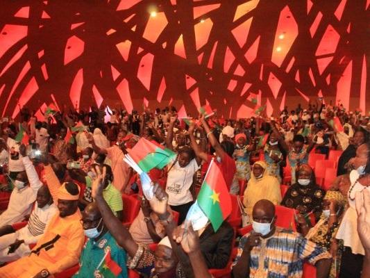 En congrès à Abidjan, un mouvement de la diaspora burkinabè décide de soutenir Roch Kaboré à la présidentielle de novembre