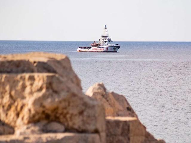 L'Espagne propose d'accueillir le navire Open Arms, bloqué en mer depuis deux semaines