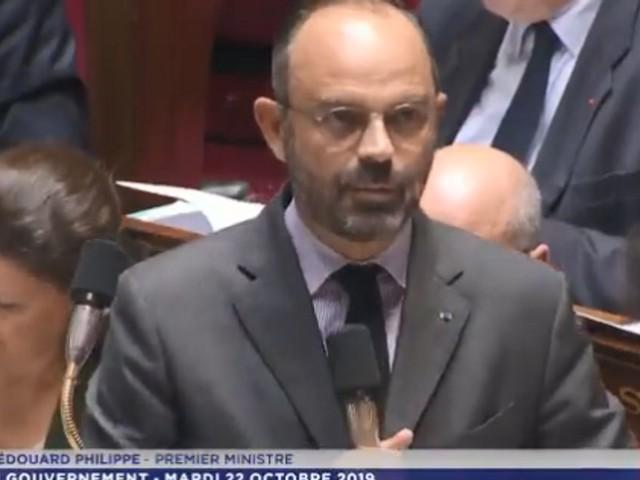Philippe prend ses distances avec Sandro Gozi, conseiller soupçonné de travailler pour Malte