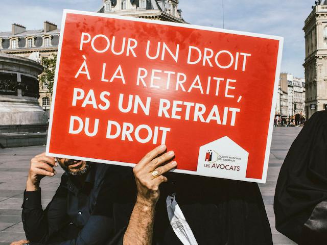 """Les professions libérales en grève à leur tour : """"Si la réforme des retraites passe, c'est la fin de mon cabinet"""""""