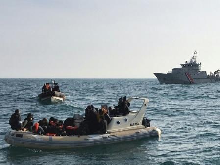 Deux passeurs présumés devant la justice après la mort d'une migrante dans la Manche