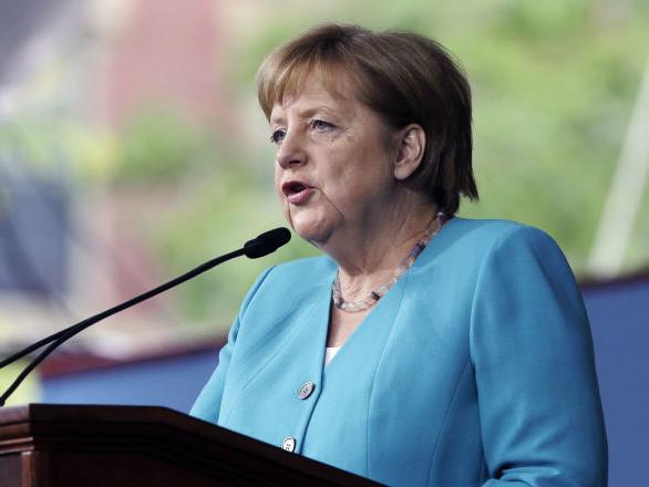 Syrie: Merkel évoque un rôle accru de la Russie et de l'Iran après le retrait américain