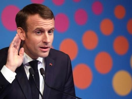 """Gilets jaunes"" : J-1 avant un samedi à hauts risques, Macron s'exprimera plus tard"