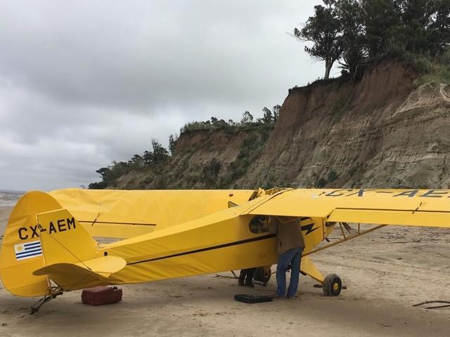 VIDÉO - États-Unis : un avion réalise un amerrissage d'urgence sur une plage