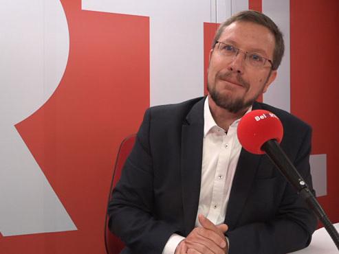 """François Desquesnes, chef de groupe cdH au parlement wallon: """"Les partis au gouvernement font du cdH sans le cdH"""""""